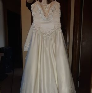 Princess Ivory Bridal Gown (size 12)